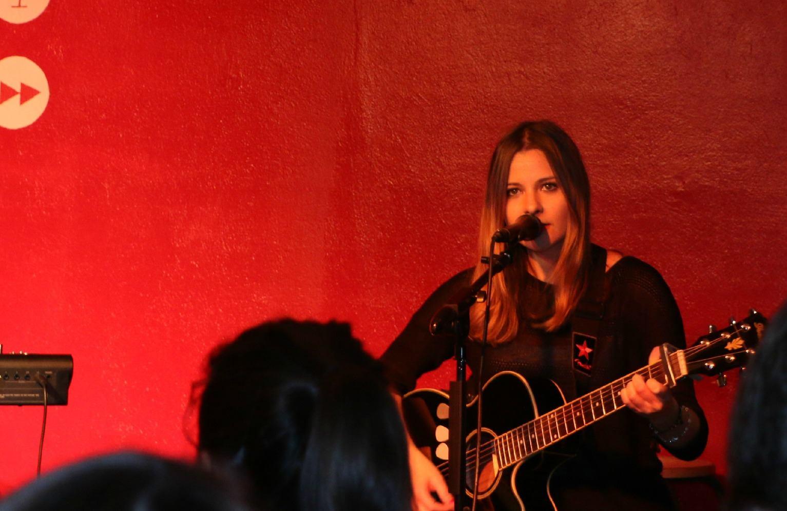 Sarah Shields live